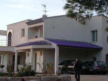 Enamelled -roof-tiles - Roof tiles - Salernes en Provence